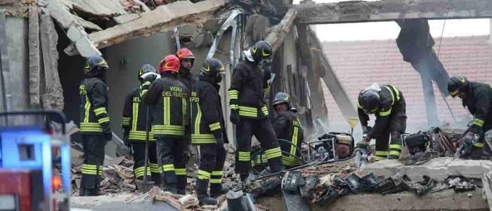 Gubbio, esplosione in laboratorio: due morti