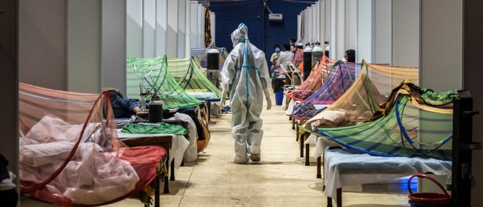 India: ancora elevato il numero dei contagi, oltre 300mila nuovi casi al giorno