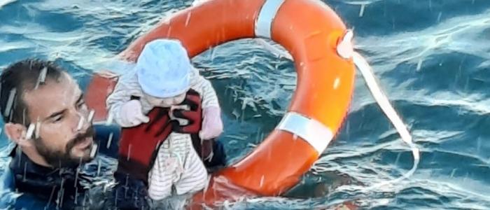 Migranti a Ceuta, l'Europa dichiara di non lasciarsi intimidire