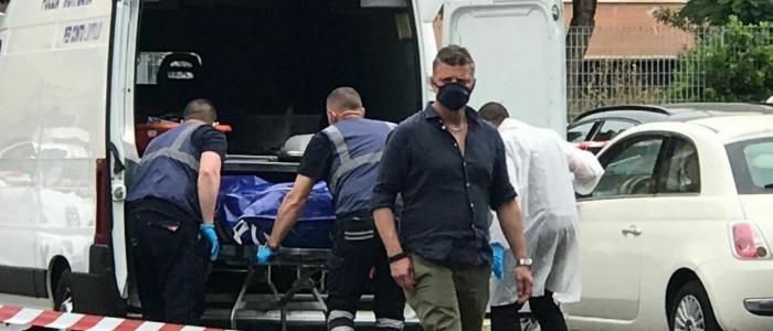 Roma: trovato il cadavere di un uomo nascosto in una valigia