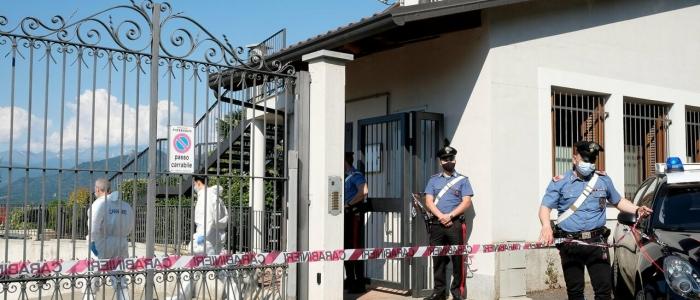 Torino, ancora sotto shock la moglie dell'architetto ucciso in casa dai ladri