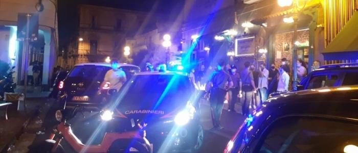 Napoli, 200 in strada per festa privata