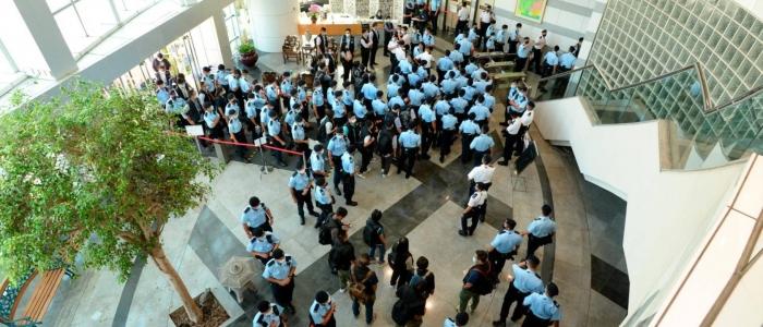 Hong Kong, blitz della polizia a Apple Daily