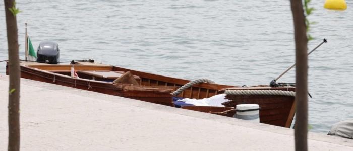 Brescia, uomo morto in barca e donna dispersa nel lago di Garda