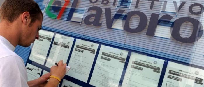 Blocco licenziamenti, il governo pronto a intervenire sui settori più in crisi