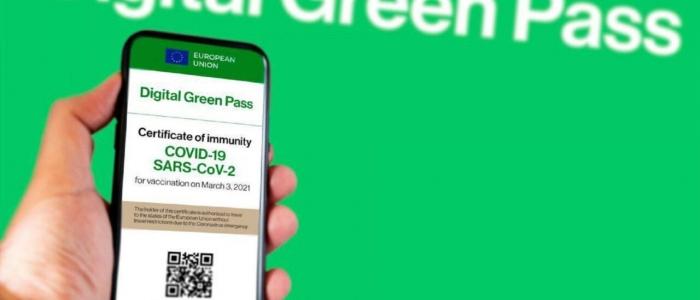 Vaccini, certificati e green pass falsi venduti sul dark web