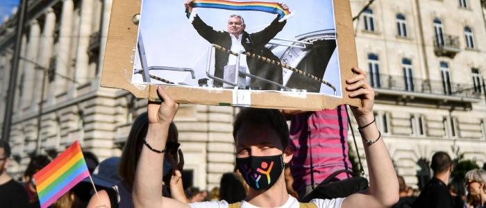 """Ungheria, approvata la legge anti Lgbt. Von der Leyen: """"Se l'Ungheria non cambia rotta passeremo ai fatti"""""""