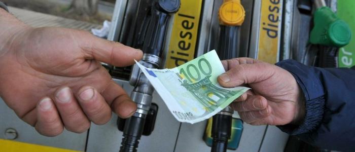 Benzina, prezzi alle stelle. Picco più alto dal 2018