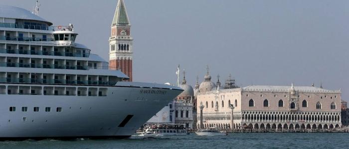 Venezia, approvato il decreto sulle grandi navi