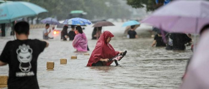 Cina, inondazioni devastano la provincia di Henan. 12 morti