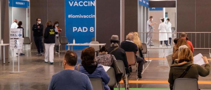 Vaccini, boom di prenotazioni dopo l'annuncio del green pass obbligatorio
