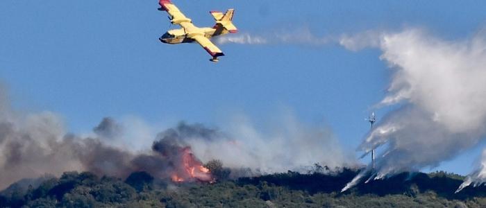 Oristano, 10mila ettari di terra in fiamme. Circa 400 gli sfollati