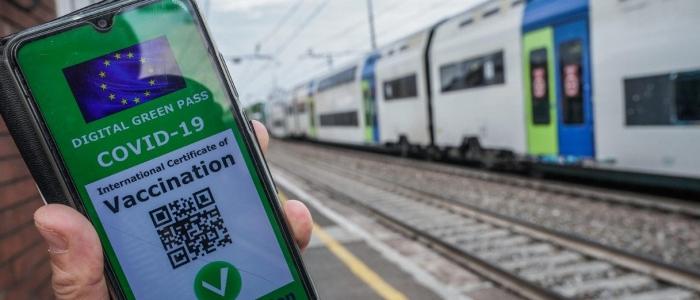 Green pass, non sarà obbligatorio per i trasporti locali e regionali