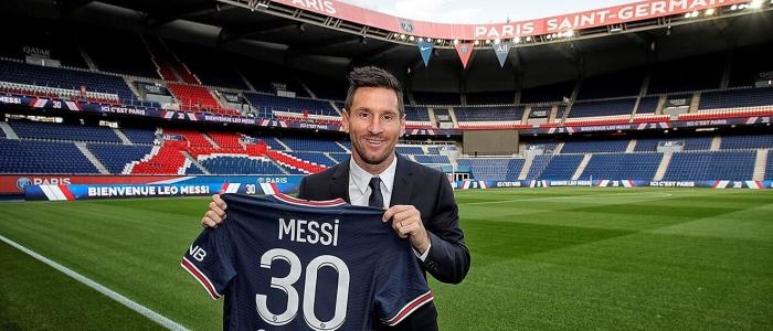 Calcio, conferenza stampa di Messi al Psg