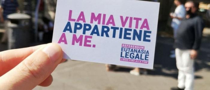 Referendum sull'eutanasia legale, raccolte già 500mila firme