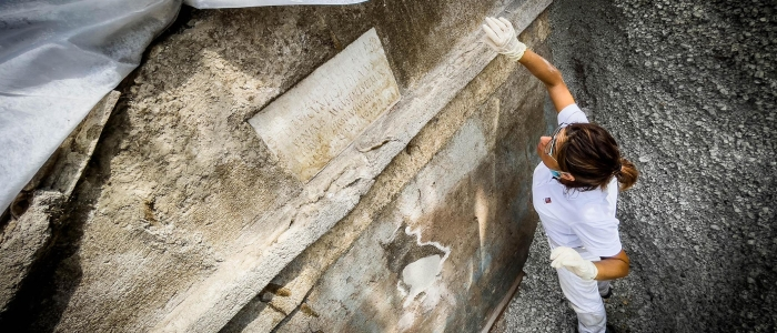 Spettacolare scoperta a Pompei: una tomba unica con un corpo semi-mummificato