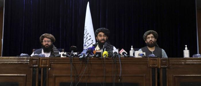 Afghanistan, i talebani garantiscono nessuna vendetta e diritti per le donne secondo la sharia