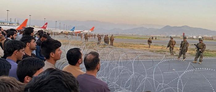 Kabul, in diecimila all'aeroporto per fuggire dal Paese