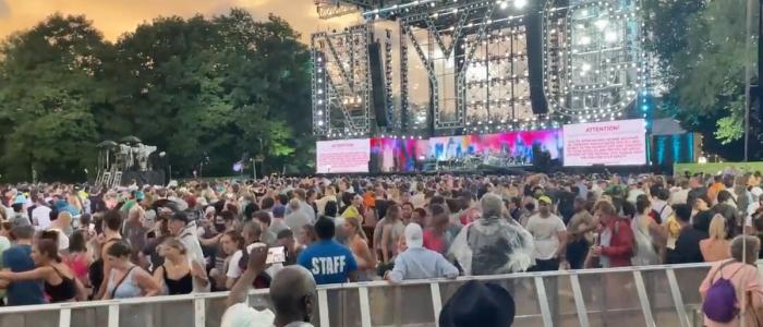 New York, evacuato concerto a causa dell'uragano Henri