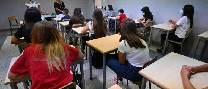 Riapertura scuole: 6 alunni su 10 di nuovo in classe