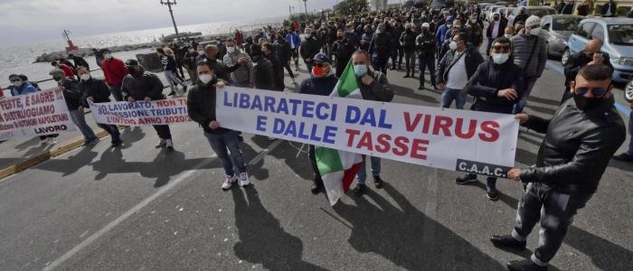 """Protesta ambulanti in tutta Italia: """"Fateci riaprire!"""""""