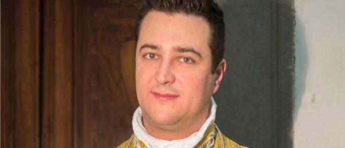 Prato, parroco acquistava droga con le offerte della messa