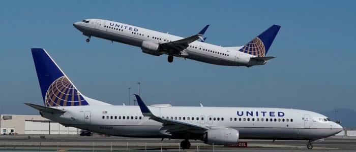 Usa, la compagnia aerea United Airlines licenzia 593 dipendenti no vax