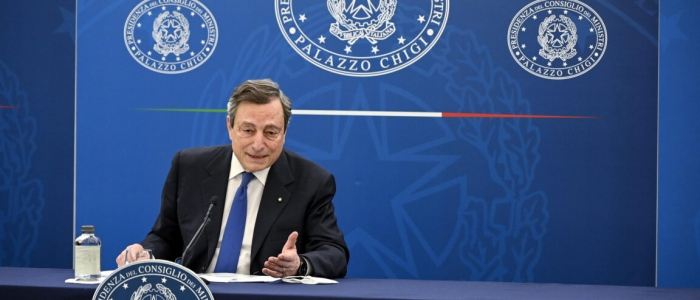 Covid, Draghi: che si vaccinino tutti gli anziani prima di una possibile riapertura