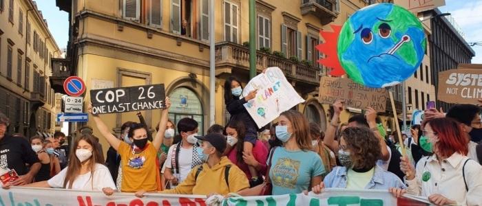 Milano, in 50mila alla manifestazione Fridays for Future. Tra loro anche Greta