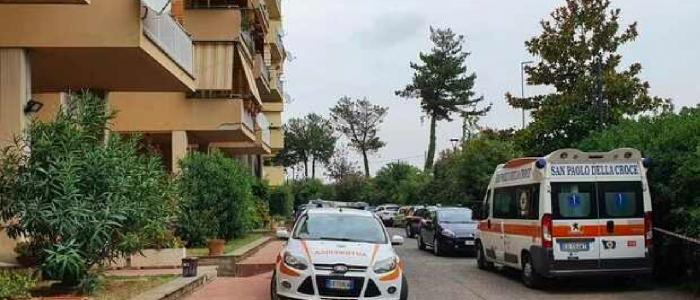 Velletri, ex carabiniere uccide la moglie poi muore lanciandosi dal balcone